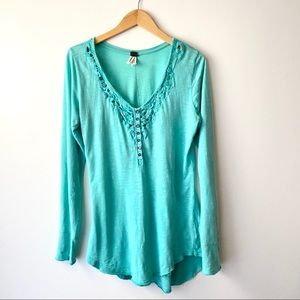 WE THE FREE Turquoise Lou Legacy Crochet Henley L